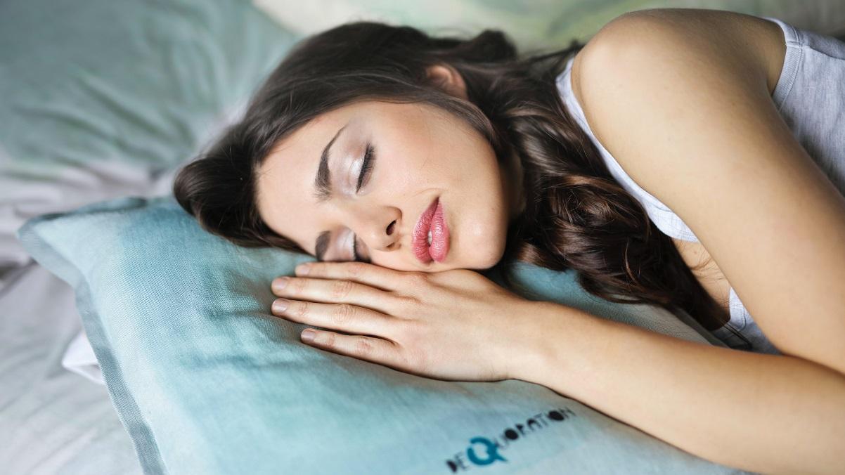 Somnul de infrumusetare. Ce trebuie sa faci ca sa te trezesti mai frumoasa in fiecare zi