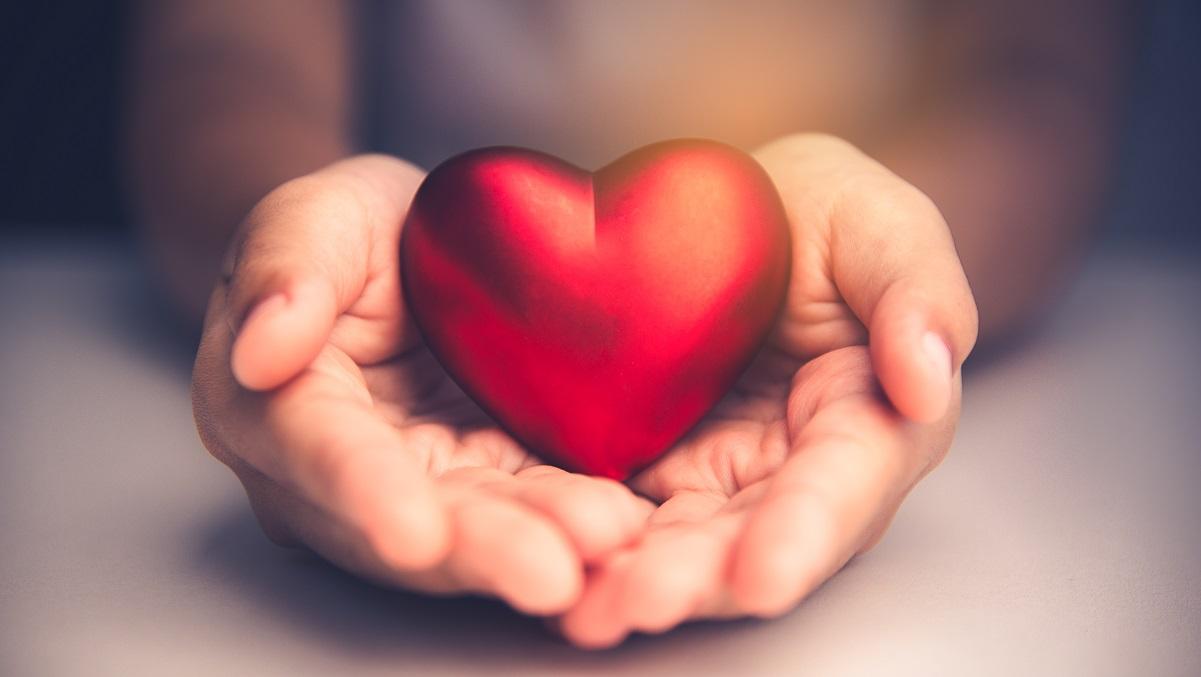 Dragostea ca generozitate: Top 5 zodii care își pun sufletul pe tavă în iubire
