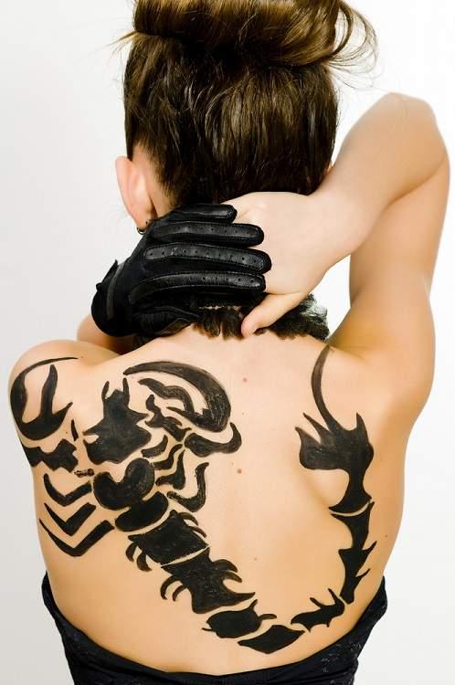 femeia Scorpion