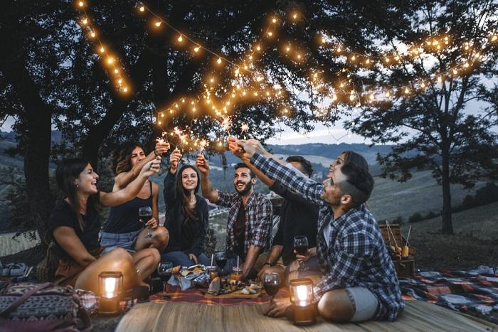 socializare, prieteni, petrecere