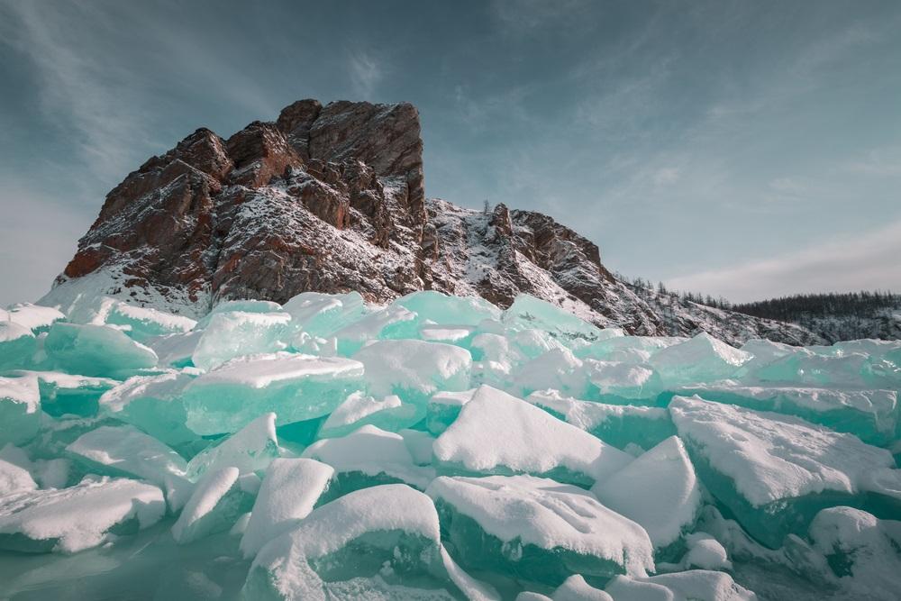 lacul Baikal inghetat