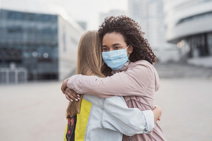 imbratisare, pandemie