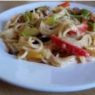 Spaghetti cu legume si afumatura