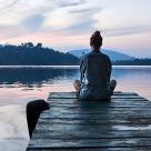 Cum putem fi spirituali și darnici într-o lume materială?