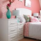 Rozul, culoarea romantismului: 4 metode de a-l utiliza in dormitor