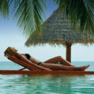 Sindromul Paradisului: De ce am sta sa plangem fericirea celor bogati?