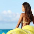 Costume de baie brodate: 6 modele cu aplicații în relief
