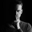 Top 5 zodii narcisiste: barbati care iubesc fara sa fie iubiti
