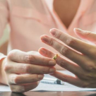 Povestea unei femei care a invatat cum sa isi refaca viata dupa divort
