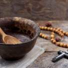 Arsenie Boca: Postul ne ajuta sa intelegem rosturile mai mari ale lui Dumnezeu cu omul