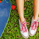 Teniși la modă: reduceri la încălțăminte în vogă