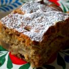 Desertul de duminica: Prajitura cu pere, nuci si ciocolata