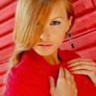 Top 10 ladies in red: Seducatoarele rochii rosii