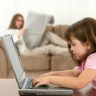 Cum sa iti feresti copilul de INTERNET