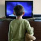 Copilul tau se uita prea mult timp la televizor?