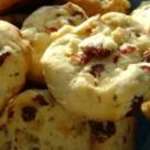 Gustarea zilei: Biscuiti fragezi cu nuci si merisoare