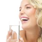 Afla ce se intampla daca bei apa pe stomacul gol. Efectele sunt extraordinare!