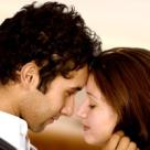Iubirea dintre un introvertit si un extravertit in psihologie: magia contrariilor sau blestemul lor?