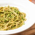 Spaghete integrale cu sos special de leurda