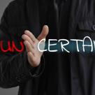Explicația psihoterapeutului:Oamenii au nevoie de certitudini pentru a-și recâștiga optimismul