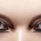 Lentilele de contact pentru Halloween: 10 sfaturi de la medicul oftalmolog pentru a evita riscurile folosirii lor