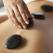 Masajul cervical, terapia care șterge efectele negative ale lucratului de acasă