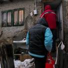 Kaufland Romania si sute de voluntari au donat 15 tone de produse copiilor si batranilor din satele izolate de munte