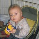 Sa-l ajutam pe singurul bebelus din tara care a supravietuit leucemiei congenitale