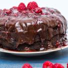 Tort Vegan de ciocolata cu avocado si zmeura