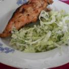Piept de pui la gratar cu salata de varza