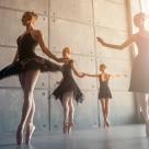Balerina, filmul de senzație al lui Lukas Dhont, intră în cinematografe din 15 februarie