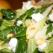Salata cu pere, branza de capra si alune de padure