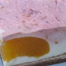 Cheesecake cu piersici si zmeura