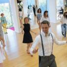 In pasi de dans pentru postura, relaxare si tonifiere!