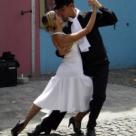 In stil Tango. 10 obiecte vestimentare  si accesorii in pasi de Tango