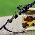 Esente puternice in sticlute mici: uleiuri miraculoase