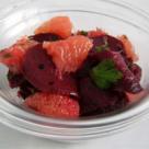 Salata cu sfecla rosie si grapefruit