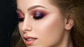 Machiaj de toamna in tonuri de violet si roscat