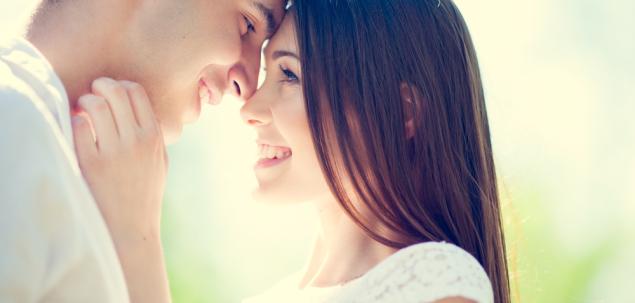 Crezi in dragoste la prima vedere, sau mai degraba o consideri o atractie intensa?
