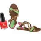 (FOTO) Cum sa porti sandale si lacuri de unghii in contrast
