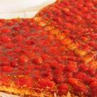 Pizza cu capsuni si rucola