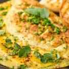 Tort de omleta cu crema de branza
