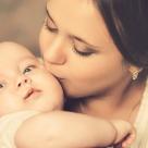 Cele 5 PRIETENE de care o MAMA SINGURA are NEVOIE
