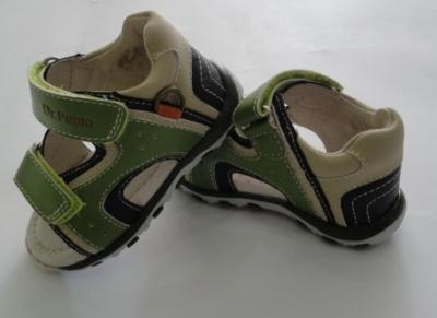 Sandale verzi pentru baietei