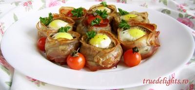 Ciuperci in bacon umplute cu oua de prepelita