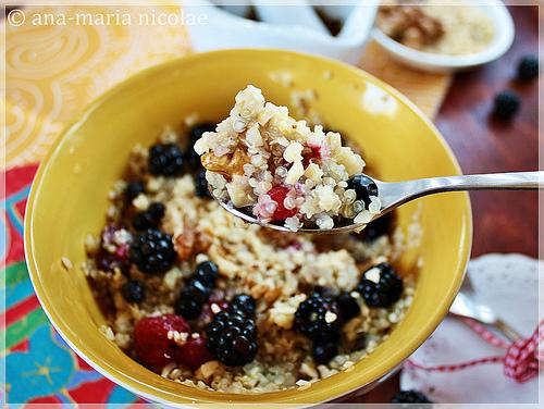 Quinoa cu fructe si miere
