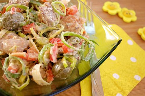 Salata de pui cu masline verzi