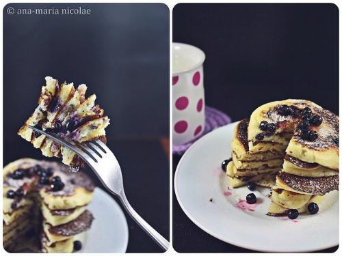 Pancakes cu afine si iaurt