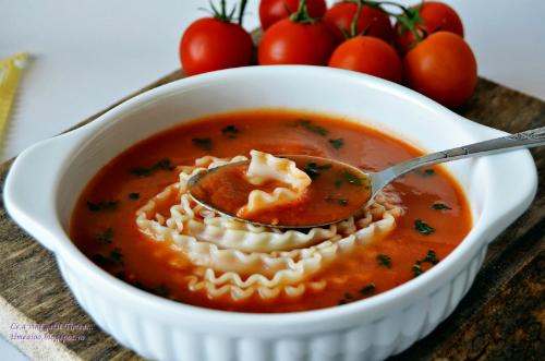 Supa crema de legume si rosii cu taitei