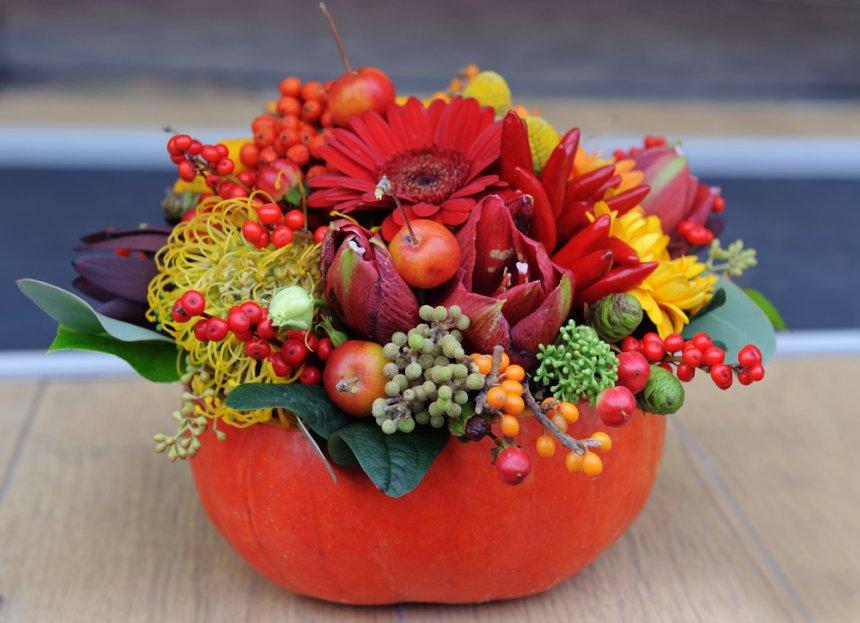 Flori in vaza dovleac